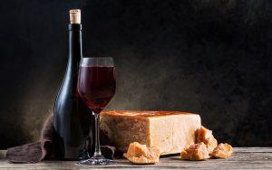 quale-vino-abbinare-con-i-formaggi-stagionati