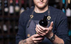 Come riconoscere un buon vino dalla bottiglia