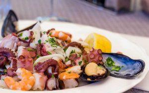 Che vino abbinare all'insalata di mare