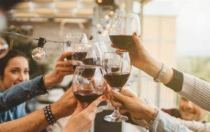 Curiosità sul brindisi con vino
