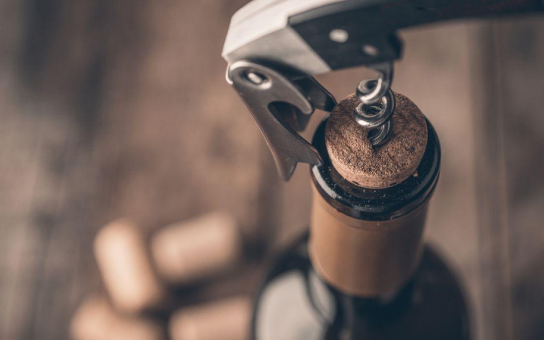 Come conservare una bottiglia di vino rosso aperta