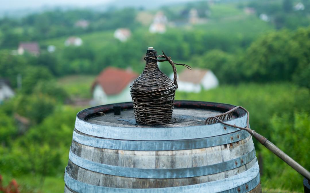 quanto vino può stare in damigiana, consigli